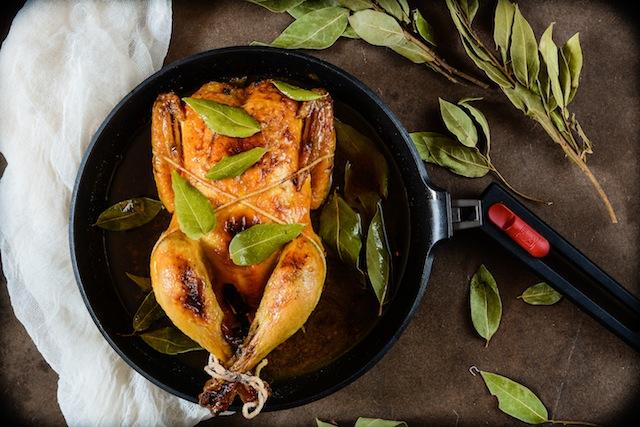 Pollo al laurel